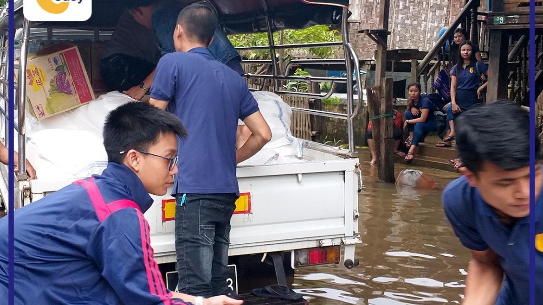 ရေဘေးသင့်ဒေသများတွင် ကူညီကယ်ဆယ်ရေးအနေဖြင့် ထောက်ပံ့လှူဒါန်းခြင်း
